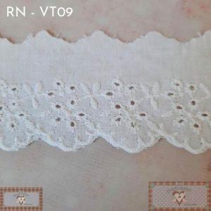 RN - VT09 - BORDADO INGLÊS FOLHAS (L: 5CM) - 1MT